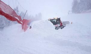 3 metros de nieve obligan a suspender la Copa del Mundo de Esquí Alpino femenina en St. Anton