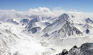 Fallecen siete turistas de una universidad rusa a causa de una avalancha en Siberia