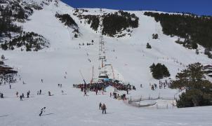El Gobierno andorrano avisa a las estaciones de esquí que analizará la alta afluencia de turistas