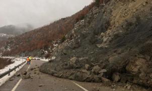 Un desprendimiento corta la N-260 que une la Cerdanya con el Alt Urgell y Andorra