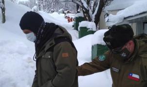 La policía chilena detiene a 5 personas por practicar snowboard cerca de Valle Nevado