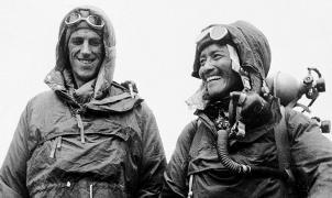 El 29 de mayo de 1953, Edmund Hillary y Tenzing Norgay conquistaron la cima del mundo