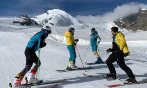 13 deportistas de la RFEDI ya se encuentran en Saas-Fee (Suiza) entrenando en el glaciar