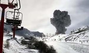 Erupción del volcán en plena esquiada en Nevados de Chillán