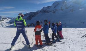 Un tribunal aconseja acabar con el monopolio de las clases de esquí en Formigal