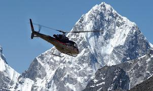 La leyenda del único helicóptero que ha aterrizado en la cima del Everest