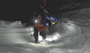 El descenso nocturno por la canal de la Forcanada de Aymar Navarro