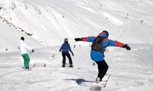Las estaciones de Aramón disponen de 78 km esquiables en el puente de la constitución
