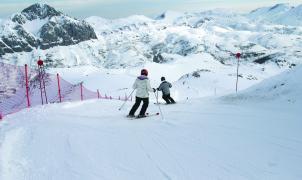 Asturias estudia flexibilizar el calendario de la campaña de esquí para años venideros