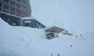 Una avalancha sepulta parte de un hotel en Suiza y deja 3 heridos