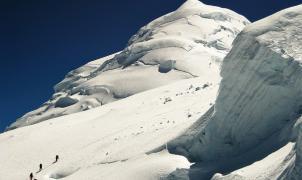 Cuatro andinistas muertos por una avalancha en Perú. Dos españoles sobreviven