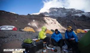 El viento pudo con Kilian Jornet que debió abortar su intento de cima del Aconcagua, a 6.500 metros