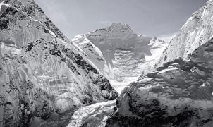 ¿Quieres seguir el último intento de Kilian Jornet al Everest? Lo ha compartido en Strava