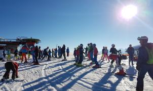 """Los Verdes critican la apertura de Kitzbühel con nieve cultivada porque """"daña la imagen del Tirol"""""""