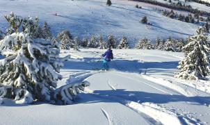 La Molina vive un gran Puente con 14.000 visitantes que disfrutan de la buena nieve