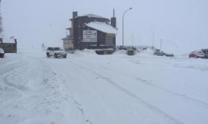 La nieve mantiene cortados Somport y Portalet