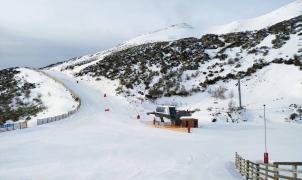 Las estaciones de esquí de León se preparan para abrir el último fin de semana de noviembre