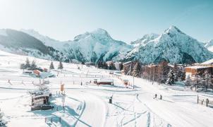 Las estaciones de esquí francesas no abrirán el 1 de febrero y puede que ya no lo hagan