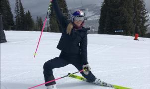 Lindsey Vonn sale de su retiro practicando un poco de esquí-ballet