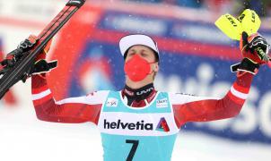 Manuel Feller gana el último slalom y Marco Schwarz el globo de cristal de la especialidad