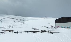 La estación de esquí ponferradina del Morredero sigue esperando el desmantelamiento que no llega
