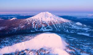 Mt. Bachelor en Oregón se apunta al esquí de primavera y reabre pistas