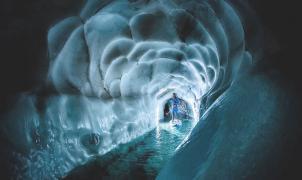 Alucinante red de cuevas de hielo en las entrañas del glaciar Hintertux