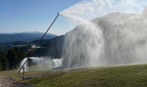 La Molina pone en marcha los cañones de nieve artificial para probarlos