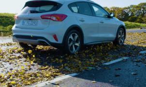 ¿Qué resbala más la nieve o las hojas de otoño?