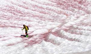 """Algunas montañas del Yosemite aparecen cubiertas de """"nieve rosa"""""""