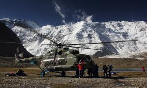 Un alpinista de Barakaldo sale con vida de un accidente de helicóptero en Tayikistán