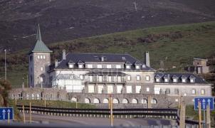 El parador de Pajares prevé abrir el hotel la próxima temporada de invierno
