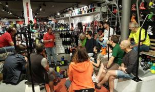 Las tiendas de material de esquí reducen su temor a la competencia de las ventas online