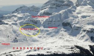 Rescatado ileso un esquiador que esquiaba fuera pistas en Candanchú