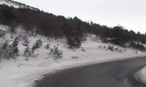 Un alud corta la RN320 entre la boca norte del túnel del Puymorens y Andorra
