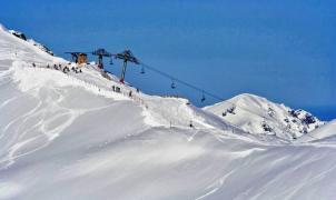 León y Asturias mantendrán un año más el forfait único en sus estaciones de esquí