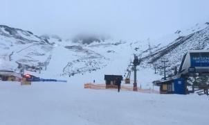 San Isidro y Leitariegos reciben a 7.300 esquiadores durante el Puente