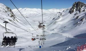 León cierra sus estaciones con 4,5 metros de nieve y abrirá sólo fines de semana hasta el 23 de abril
