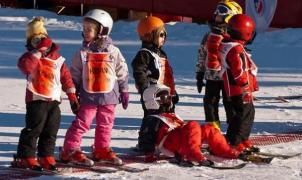 Vuelve el debate sobre el uso obligatorio del casco para esquiar en Andorra