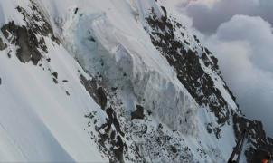 Alarma en el Mont Blanc: un serac del glaciar principal de la Aiguille du Midi en riesgo de colapso
