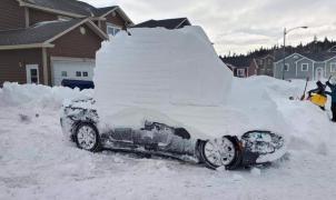 Una tormenta de nieve entierra casas y coches en Canadá en pocas horas. ¿Tendremos algo así esta semana en la Península?
