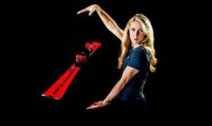 La líder de Copa del Mundo de esquí Mikaela Shiffrin renueva por Atomic dos años más