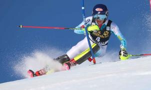 Shiffrin se lleva el Slalom de St. Moritz y Hansdotter la Copa del Mundo de la especialidad