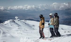 Sierra Nevada abre las seis zonas esquiables y llega a los 70 km de pistas
