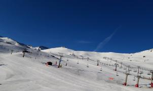 Sierra Nevada se prepara para cerrar el último fin de semana de esquí en España