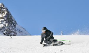 ¡Head Ski incorpora la tecnología EMC! El único sistema de amortiguación eléctrico del mundo