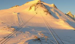 Francia esquiará sin pasaporte Covid