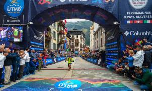 Xavier Thevenard gana la Ultra Trail del Mont Blanc y Kilian Jornet abandona por una picadura de abeja