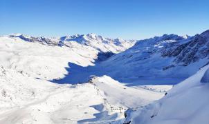 """Tirol del Sur no hace caso y las estaciones siguen abiertas a """"todos"""" los esquiadores"""