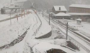 El Pirineo vuelve a despertar con nieve y condiciones invernales en pleno otoño